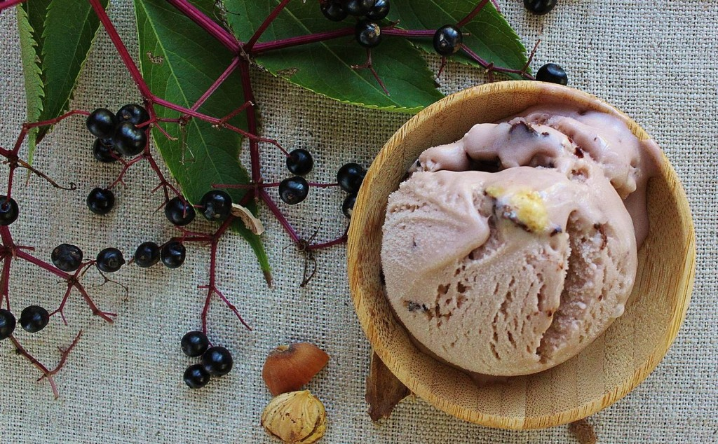 Elderberry ice cream with hazelnut chocolate crunch