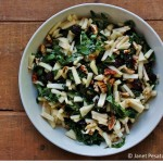 Kale salad with maple vinagrette